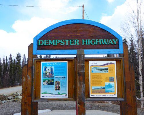 L'entrée de la Dempster Highway