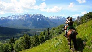 Paysage montagnes à cheval